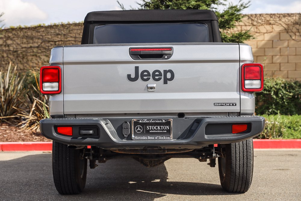 Pre-Owned 2020 Jeep Gladiator Sport S
